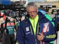 Украинские биатлонисты заставили тренера бежать в гостиницу на лыжах