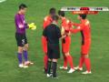 В Китае футболисты чуть не подрались за право пробить пенальти