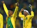 Неймар и Габриэл Жезус развлекли зрителей на открытой тренировке сборной Бразилии