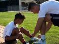 Роналду трогательно почтил память отца, показав три поколения своего рода