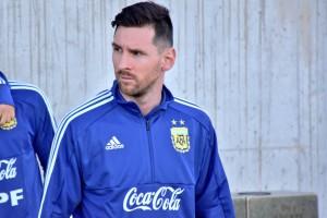 Месси вернулся в сборную Аргентины и первым делом представил новую игровую форму