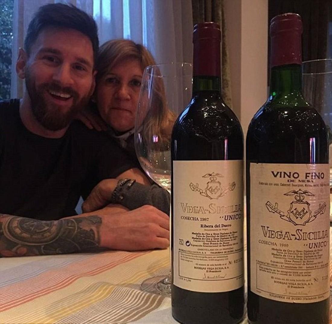 Месси «обмыл» смамой будущий многомиллионный договор вином за 300 тыс. руб.