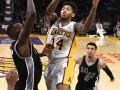 НБА: Сан-Антонио разгромил Лейкерс, Вашингтон уступил Юте