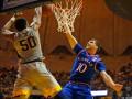 NCAA: Михайлюк помог Канзасу одержать волевую победу