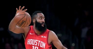 Бросок Хардена - среди лучших моментов дня в НБА