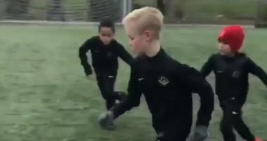 Шикарный финт неизвестного мальчишки, который однажды может стать звездой футбола