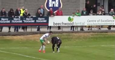 Нелепый гол из первого дивизиона Ирландии, который забили, пока вратарь завязывал шнурки