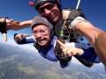 Возлюбленная Владимира Кличко прыгнула с парашютом