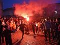 Болельщики Ливерпуля устроили фаер-шоу в центре Базеля