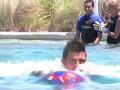 Герои. Игроки Барселоны плещутся с дельфинами