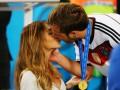 Близкие люди: Игроки сборной Германии отпраздновали чемпионство с женами и детьми