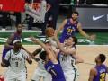 НБА: Денвер разгромил Милуоки, Лейкерс проиграли дома Финиксу