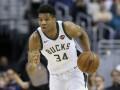 Сокрушительный данк Адетокунбо – среди лучших моментов дня в НБА