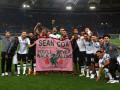 Ливерпуль посвятил победу своему раненному фанату