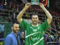 Фесенко получил награду лучшему игроку марта