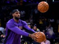 Передача ЛеБрона на Дэвиса и роскошный бросок Ирвинга - среди лучших моментов дня в НБА