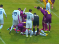 В матче Первой лиги игрок потерял сознание после столкновения с соперником
