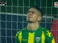 Невероятный промах из чемпионата Португалии, где футболист запорол выход один на один