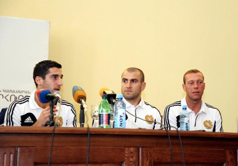 Звезды сборной Армении на встрече со студентами