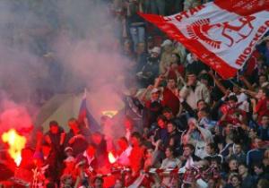 Футбольные фанаты устроили погромы в Москве
