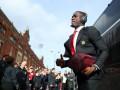 Лион интересуется защитниками Манчестер Юнайтед