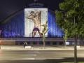 Полуголый Криштиану Роналду появился на зданиях мировых столиц моды