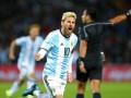 Геймеры возмущены тем, что в FIFA 17 Димитри Пайет пасует лучше Лионеля Месси
