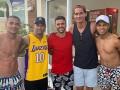Неймар похвастался совместным фото с игроками Шахтера