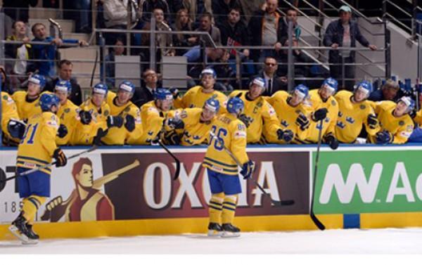Швеция после четырех туров возглавляет группу А