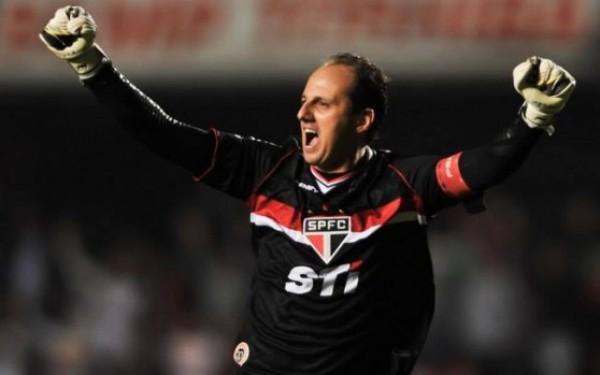 Рожерио Сени побил рекорд по количеству матчей за один клуб