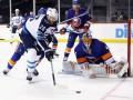 НХЛ: Виннипег проиграл Айлендерс, Бостон сильнее Детройта и другие матчи