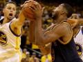 NBA: Голден Стэйт разгромил Кливленд во втором матче финальной серии