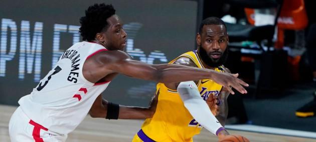 НБА: Лейкерс уступили Торонто, Майами оказался сильнее Денвера