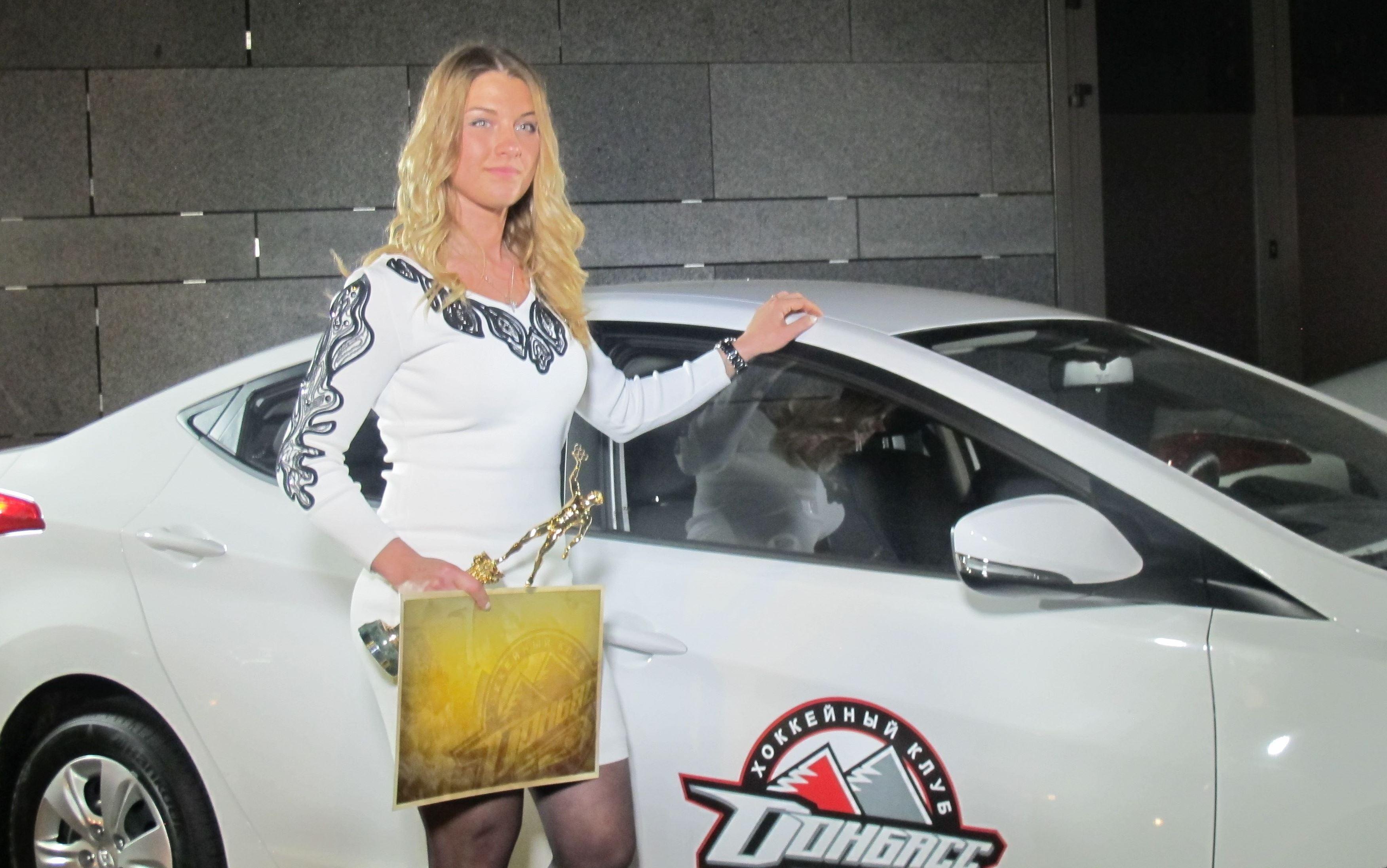Ольга Харлан со своей новой машиной