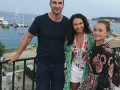 Кличко и Панеттьери засветились на пляже в Греции