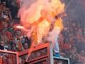 В Польше полицейский поджег фаната на футбольном матче (видео)