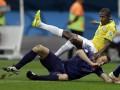 Полузащитник сборной Бразилии принес извинения всему народу