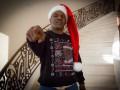 Майк Тайсон в забавном свитере поздравил всех с новогодними праздниками