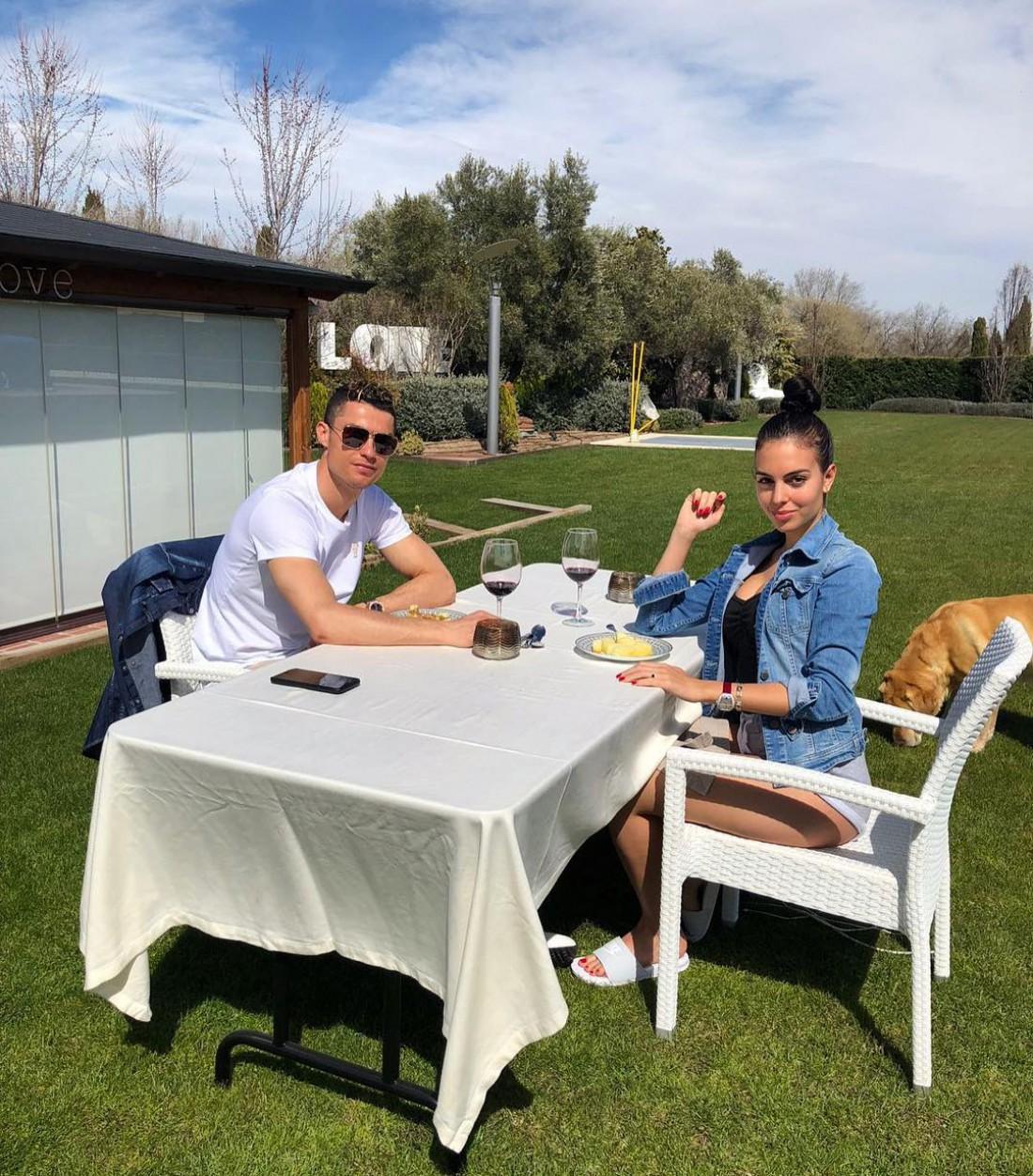 Криштиану Роналду продает свой особняк в Мадриде