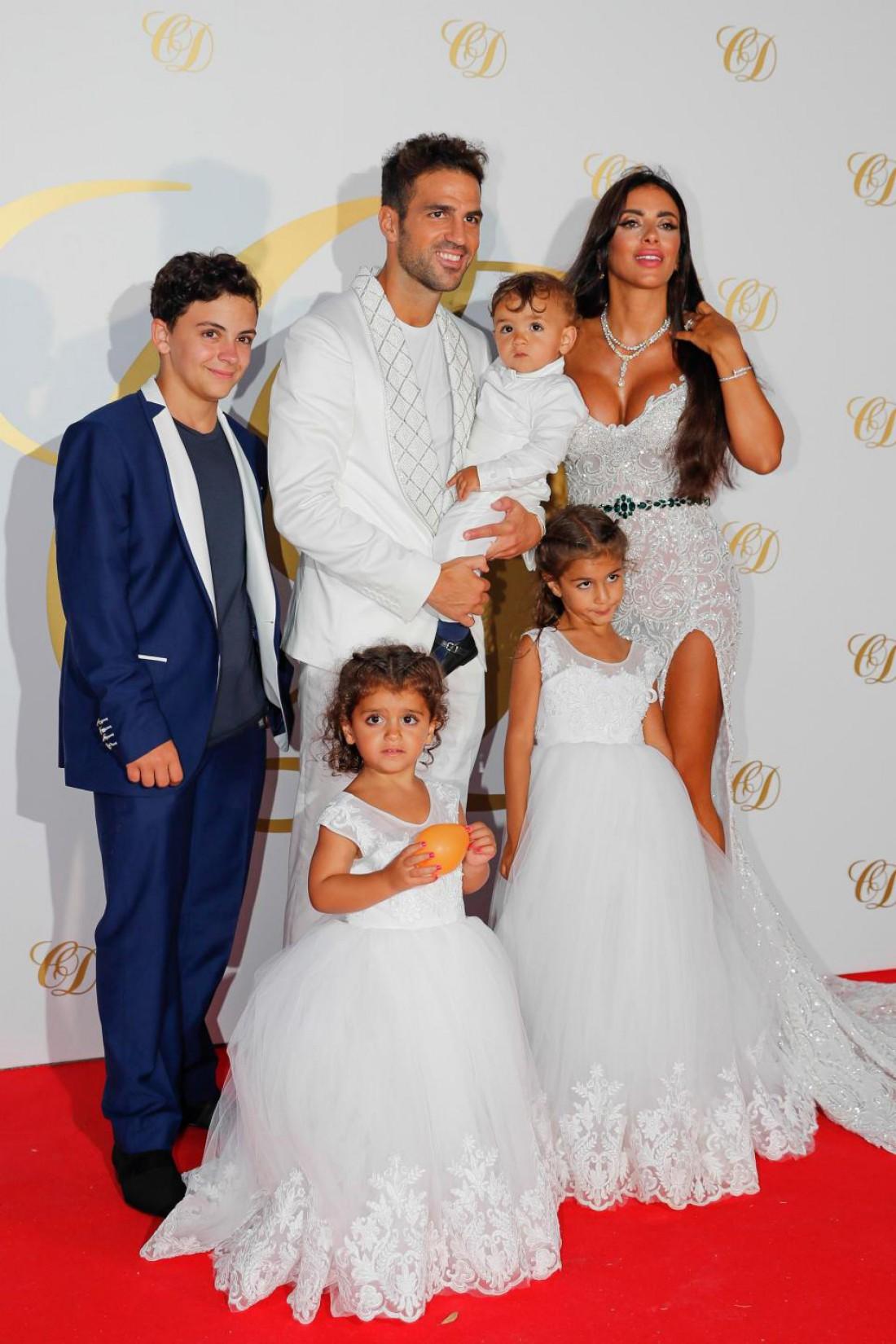 Сеск Фабрегас с семьей