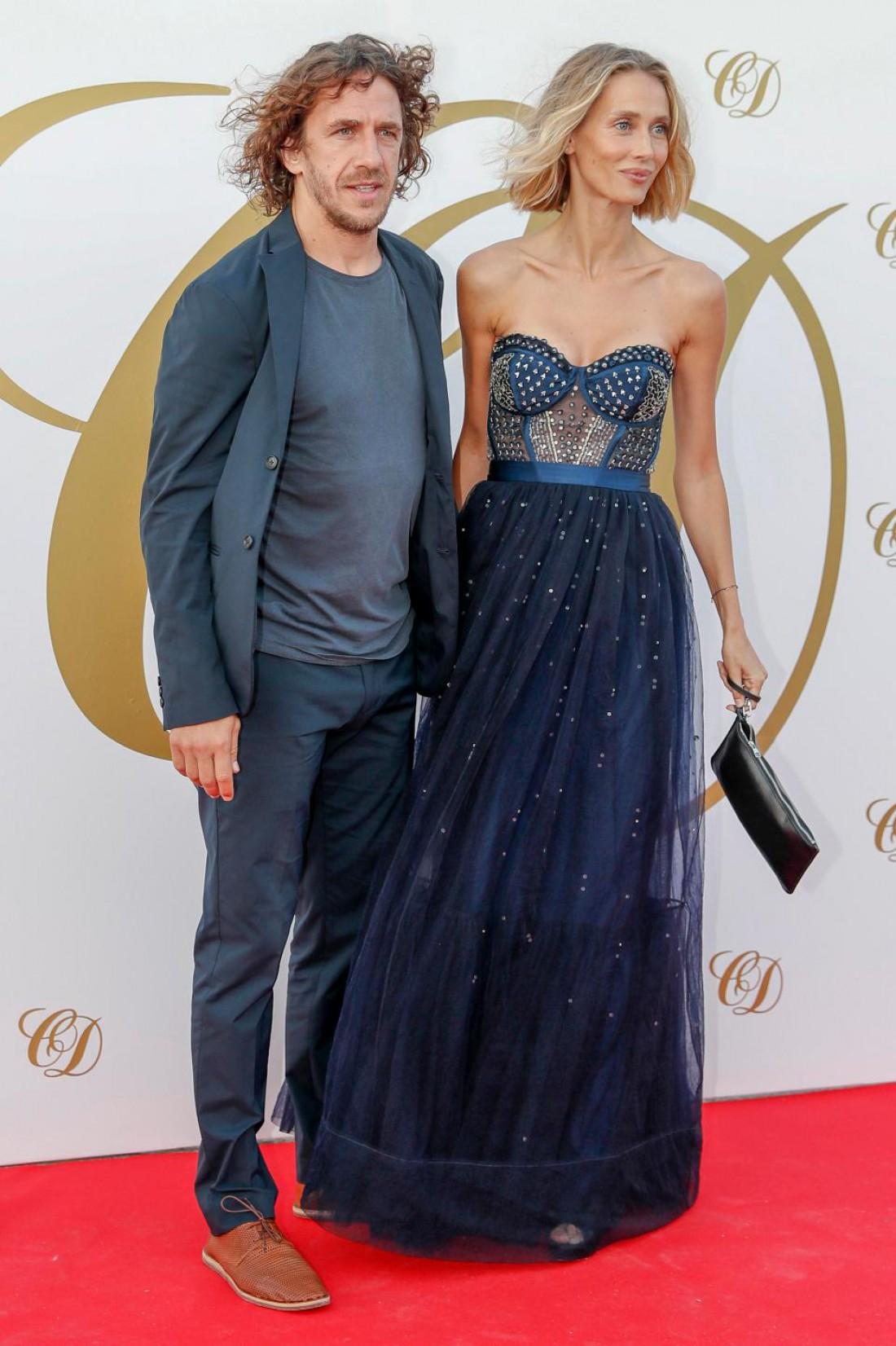 Карлес Пуйоль с женой Ванессой Лоренцо