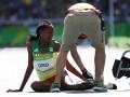 Спортсменка из Эфиопии потеряла кроссовок во время забега, добежав остаток трассы без него