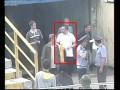 Расист, метнувший банан в Роберто Карлоса, попался на камеру