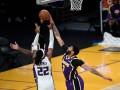 НБА: Сакраменто обыграл Лейкерс, Сан-Антонио в овертайме уступил Бостону