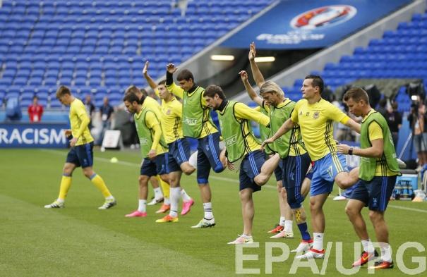 Футболисты сборной Украины на предматчевой тренировке