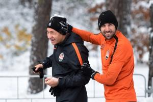Подготовка в снегу: Фото тренировки Шахтера перед матчем с Карпатами