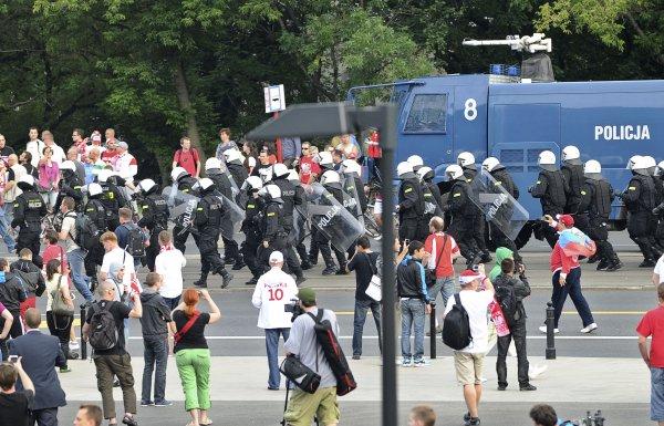 Матч Польша - Россия сопровождался беспорядками