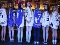 Красивые девушки примерили футболки  Динамо разных времен (ФОТО)