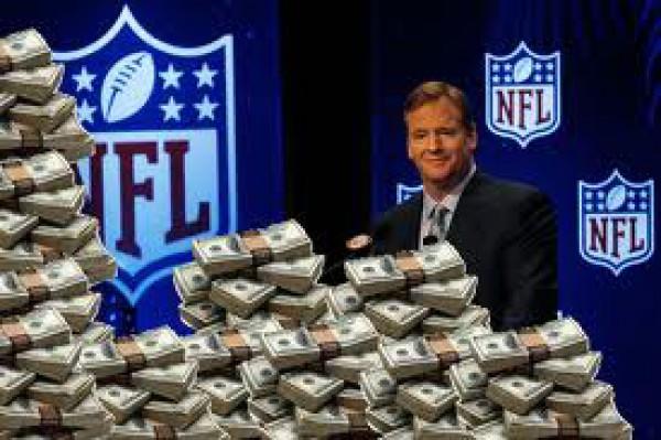 Американский футбол - не только спорт, но и прибыльный бизнес: ожидаемый доход за сезон 2012-2013 для NFL составит $ 9.5 миллиарда, что больше годового ВВП десятков стран мира