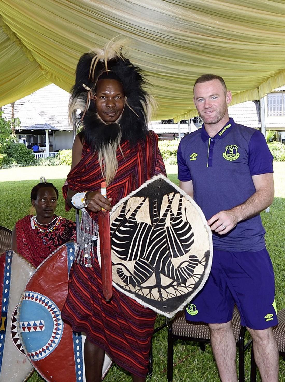Эвертон на совете племени Масаи